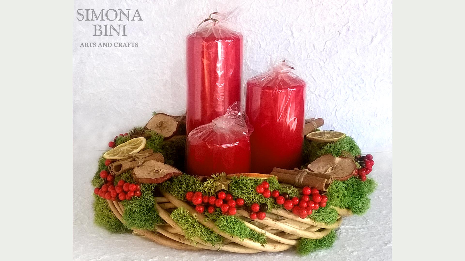 Centro tavola natalizio con candele idee immagine di - Centro tavola natalizio con pigne ...