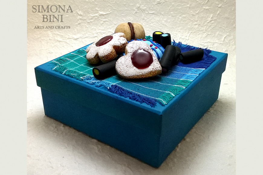 Scatole con dolcetti – Boxes with sweets