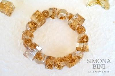 Bracciale a perle con foglia oro – Resin bracelet with gold leaf
