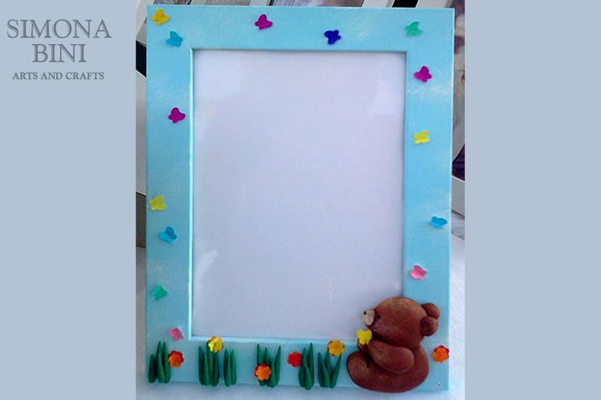Cornice con orsetto – Frame with teddy bear
