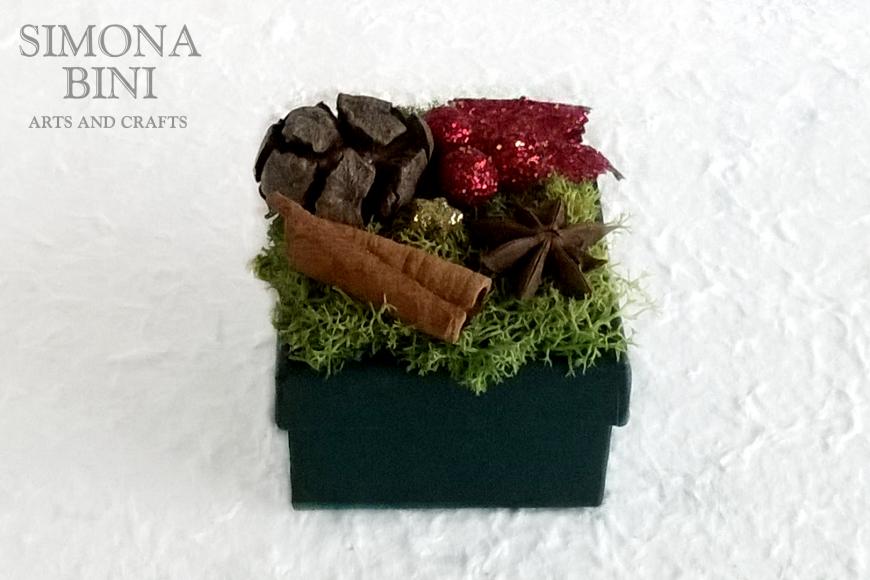 Scatolina natalizia riciclata rossa – Red recycled Christmas box