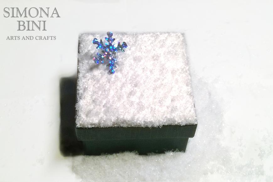Scatolina natalizia riciclata neve – Snow recycled Christmas box