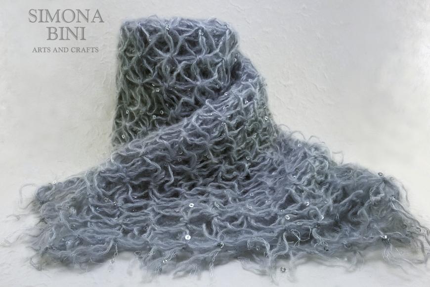 Sciarpa grigio perla –  Pearl gray scarf