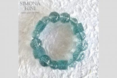 Bracciale in resina con glitter azzurri – Resin bracelet with blue glitter