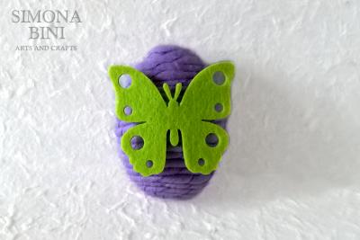 Ovetto di Pasqua con feltro viola –  Easter egg with violet felt