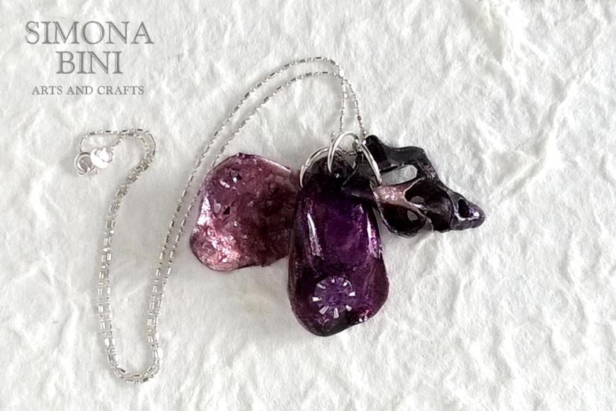 GIOIELLI VENUTI DAL MARE – Ciondoli viola – Violet pendants from the sea