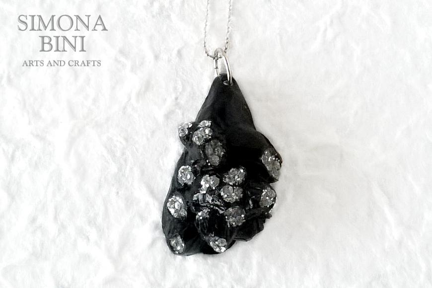 GIOIELLI VENUTI DAL MARE – Ciondolo cozza nera – Black shell pendant