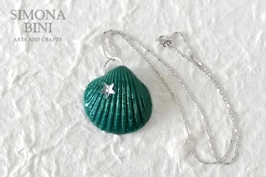 GIOIELLI VENUTI DAL MARE – Ciondolo verde – Green pendant from the sea