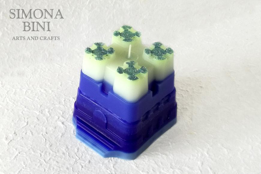 Una candela a forma di castello – Candle in the shape of a castle
