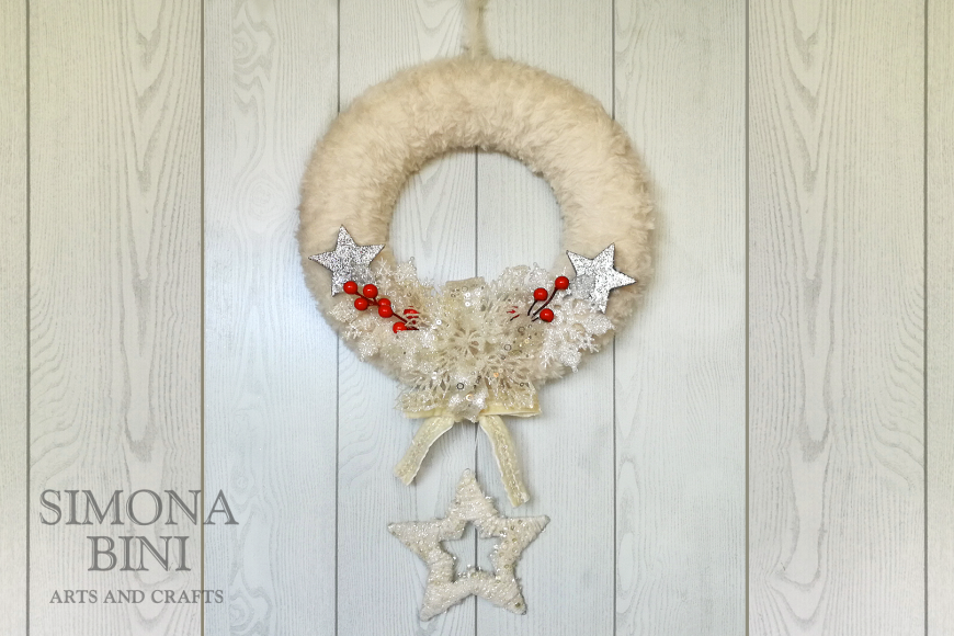 Una ghirlanda bianca e rossa di Natale – White and red Christma's wreath