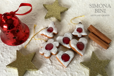 Finti biscotti da appendere all'albero di Natale – Fake cookies to hang on the Christmas tree