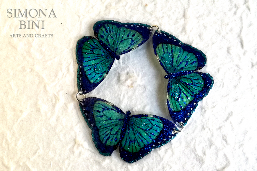 Un bracciale primaverile con farfalle – A spring bracelet with butterflies
