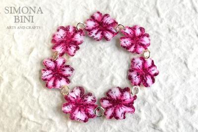 Un bracciale fiorito per la primavera – A spring flowery bracelet