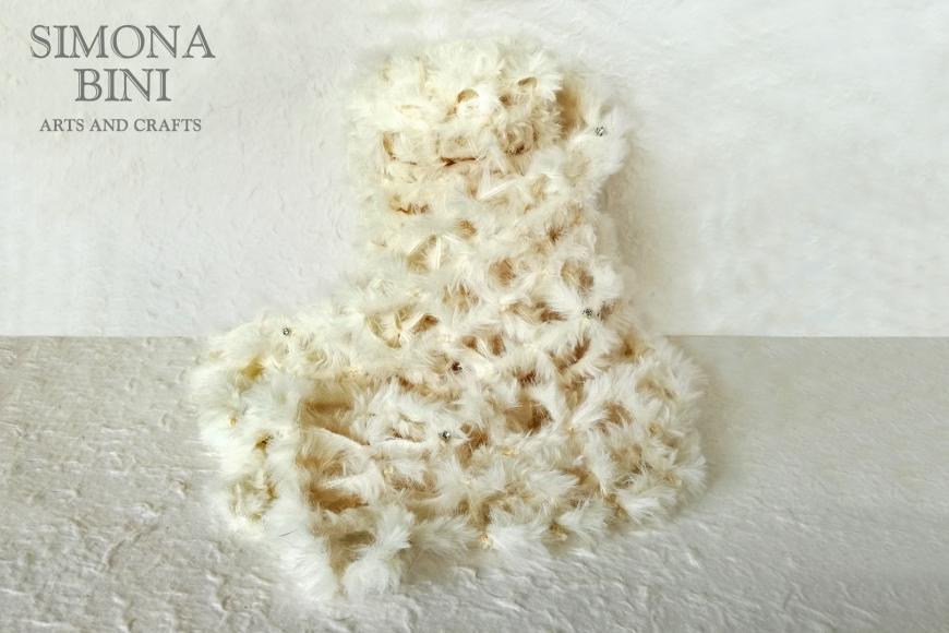 Sciarpa bianca pelosetta con strass – White scarf with strass