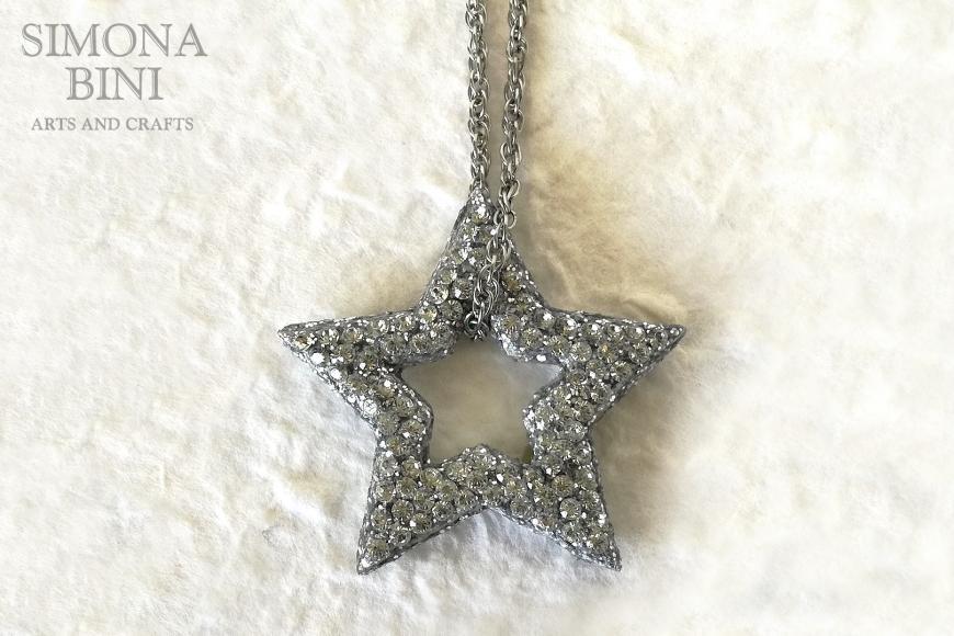 Ciondolo di legno a forma di stella con strass – Wood pendant