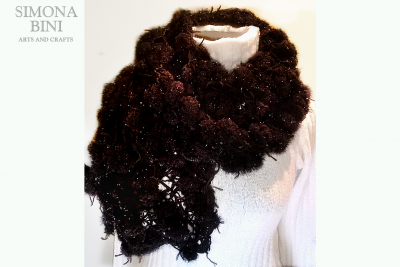 Sciarpa marrone pon pon –  Brown scarf