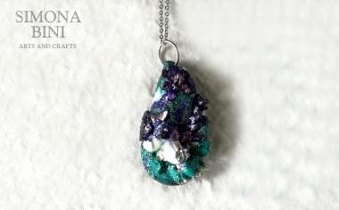 GIOIELLI VENUTI DAL MARE – Ciondolo di cozza viola e verde acqua – violet and green shell pendant