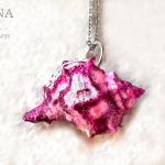 GIOIELLI VENUTI DAL MARE – Ciondolo di conchiglia rosa e bianco – Pink and white shell pendant