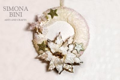 Una bianca ghirlanda di Natale con oro – White Christma's wreath