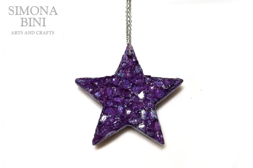 Ciondolo di legno a forma di stella con vetro viola ametista – Wood pendant