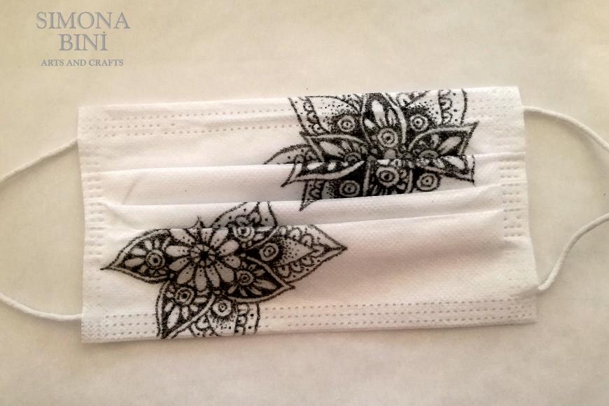 Come decorare una mascherina usa e getta –  Decorated mask