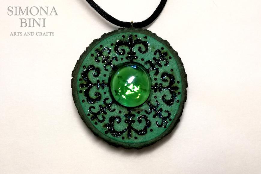 Ciondolo di legno verde – Green wood pendant