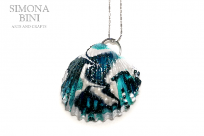 Conchiglia reginella verde acqua – Green water shell pendant