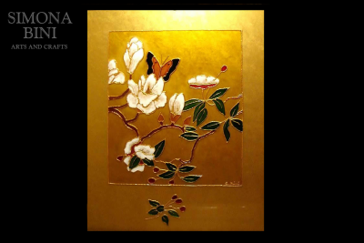 Dipinto su vetro con base oro e farfalla – Painted on glass with gold base and butterfly